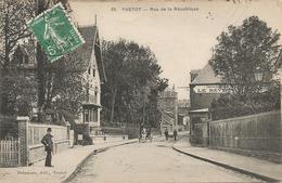 """YVETOT  -  Rue  De  La  République  /  Imprimerie  """" Le  Réveil """" - Yvetot"""
