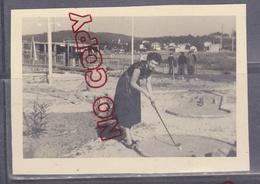 Au Plus Rapide Toulon La Seyne Sur Mer Les Sablettes Le Mini-golf Avril 1954 - Personas Anónimos