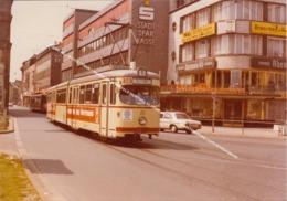 KODAK BILD PHOTO / TRAM 1 WAGEN 823 IN KREFELD RICHTUNG ST TÖNIS Am 19.5.1977 IM HINTERGRUND CAFE SCHRAGMANN - Krefeld