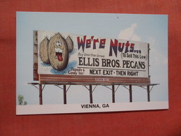 Bill Board  We're Nuts  Vienna  Gerogia       Ref 3828 - Werbepostkarten