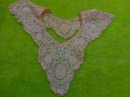 Decor De Robe Ou Chemisier Broderie Cornely Sur Tulle - Laces & Cloth