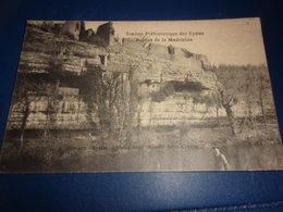 Cpa Dordogne  Les Eyzies Station Prehistoriques Ruines De La Madeleine - France