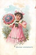 CPA Fantaisie Légèrement Gaufrée - Enfant - Fillette - Fleurs - Heureux Anniversaire - (style Viennoise) - Anniversaire