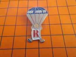 2419 Pin's Pins / Beau Et Rare / Thème SPORTS / PARACHUTISME RICOH PARACHUTE FAX 3000 LF - Paracaidismo