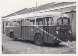 ORIGINELE FOTO GVBA KROMHOUT VERHEUL BUS 106 GEEN DIENST / AUTOBUS GARAGE OOST AUTOCAR AMSTERDAM 22 FEBRUARI 1961 - Amsterdam