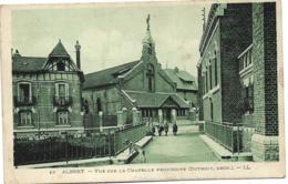 D80 - ALBERT - VUE SUR LA CHAPELLE PROVISOIRE (DUTHOIT ARCH.) - Plusieurs Enfants - Chien - Albert