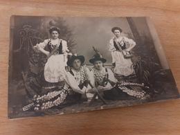 MOERCHINGEN - PHOTO BRUERE - MORHANGE - TRACHTEN-GRUPPE - FOLKLORE - MAENNER AEXTE - FEMMES BARILS - Trachten