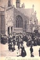29 - Finistere -  PENMARCH  - Sortie De Messe De L Eglise Saint Nonna - Penmarch
