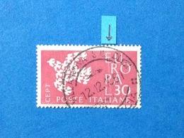 1961 ITALIA EUROPA CEPT 30 LIRE VARIETA' TAGLIO CHIRURGICO FRANCOBOLLO USATO ITALY STAMP USED - Variedades Y Curiosidades