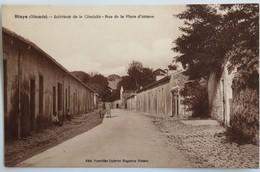 C. P. A. : 33 BLAYE : Intérieur De La Citadelle, Rue De La Place D'Armes, Animé, Militaires - Blaye