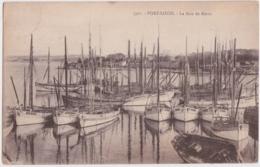 Cpa Port Louis - La Baie De Kerzo (nombreux Thonniers Immatriculés à Groix) - Port Louis