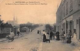 CPA Mainvilliers, Près Chartres (E.-et-L) - La Montée Du Pont Du Chemin De Fer, Vue De La Rue De La République - Frankreich