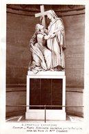 CPA Chapelle Expiatoire Cortot Marie Antoinette Soutenue Par La Religion Sous Les Traits De Mme Elisabeth - Eglises