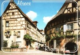 CPM 68 (Haut-Rhin) Riquewihr - Fontaine De La Sinn (Sinnbrunnen) Et Rue Des Juifs TBE - Riquewihr