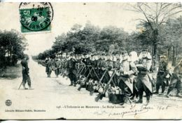 N°1374 T -cpa L'Infanterie En Manoeuvre -la Halte Horaire- - Manovre