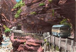 < Automobile Auto Voiture Car >> Bus Autobus Coach Chausson, Gorges Du Cians - Bus & Autocars