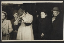 TIR A LA CARABINE * SHOOTING STAND GUN * KERMESSE * FUSIL A LA MAIN * 1952 * KERMIS * FOTOKAART * CARTE PHOTO * FOOR - Tir (Armes)