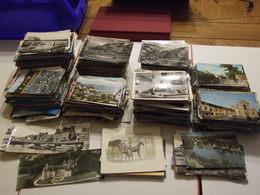 FRANCE GROS LOT DE PLUS DE 1600 CARTES POSTALES REGION DE FRANCE SEMI MODERNES ET QUELQUE MODERNES PETIT ET GRAND FORMAT - Postcards