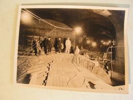 PHOTO PHOTOGRAPHIE  MINE ? MINEURS ?TUNNEL TUNNELIERS CONSTRUCTION METRO ? BARRAUD RUE ANCIENNE COMEDIE PARIS 739 - Mestieri