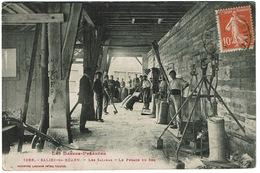 CPA Salies-de-Béarn 64. Les Salines. Le Pesage Du Sel. Animée, 1915 - Salies De Bearn