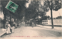Cpa 17 Rochefort Voiture Nouvelles Galeries Avenue De La Gare - Rochefort