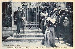 13 - MISTRAL à MAILLANE - Le Maître Accompagne à La Sortie Les Excursionistes De La Famille De Marseille - - Autres Communes
