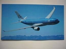 Avion / Airplane / KLM / Boeing B737-800 / Airline Issue / Size: 10X17cm - 1946-....: Modern Era