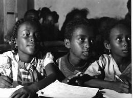 Photo Soudan. Enfants érythréens Réfugiés Au Kassala Photo Vivant Univers. - Afrika