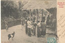 A P 706 -  C P A   AFRIQUE-   CONGO FRANCAIS - LOANGO  - GROUPE DE NEGOCIANTS  RIVIERE - Congo Francés - Otros