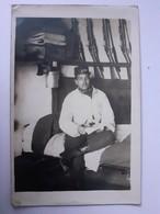 Soldat Du 164ème R.I Dans Sa Chambre - Régiments
