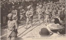 13Campagne 1914  Arrivée Des Armées Des Indes Les Cornemuses à Marseille TBE N'est Pas Sue Delcampe - Otros