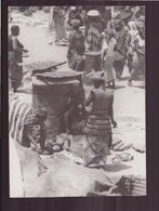 PHOTO AFRIQUE 15 X 12.5 CM FEMMES FAISANT LA CUISINE - Africa