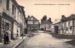 C P A 76] Seine Maritime Blainville Crevon Le Haut De La Place épicerie Café Animé - France