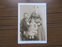 Hauterives ( Drôme )    Le Facteur Cheval Avec Son épouse Et Leur Fille Alice - Hauterives