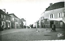 N°1445 T -cpsm La Baconnière -la Place - - Otros Municipios
