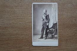 Cdv Photographie Militaire   Second Empire  Officier General A Identifier Nombreuses Décorations - Krieg, Militär