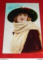 FANTAISIES - FEMMES - Jolie Jeune Femme  Au Beau Chapeau  -  1923 - Women