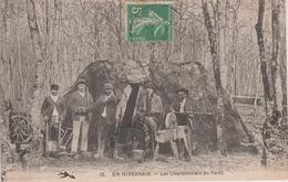 CPA En Nivernais - Les Charbonniers En Forêt (très Belle Scène) - Frankreich