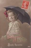 LOT//063....25 CPA ENFANTS AVEC PARAPLUIE - Postales