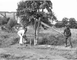Photo Soudan Du Sud Pompe De Village Installée Par Le Programme D'aide De L'église Norvégienne Photo Vivant Univers. - Afrika