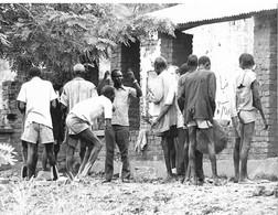 Photo Soudan Du Sud Reconstruction Du Presbytère à Liria Par Les Chrétiens De La Paroisse  Photo Vivant Univers. - Afrika