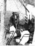 Photo Soudan Du Sud Wau Commentaire D'évangile Par Un Laïc D'une Communauté De Base Photo Vivant Univers. - Afrika
