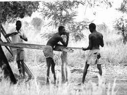Photo Soudan Du Sud Réfugiés Dans La Brousse Région De Torit Photo Vivant Univers. - Afrika