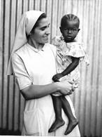 Photo Soudan Du Sud Soins De Santé Primaires Offerts Par Les Soeurs Comboniennes Photo Vivant Univers. - Afrika