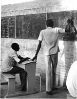 Photo Soudan Cours D'arabe Pour Réfugiés  à Khartoum Photo Vivant Univers. - Afrika