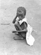 Photo Soudan La Misère Des Enfants Photo De 1943 Toujours D'actualité. Photo Vivant Univers. - Afrika