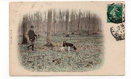 Chasse à Courre - Piqueur Et Chien Limier Faisant Le Bois (M167) - Chasse