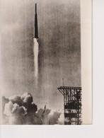 MOON ROCKET LAST 77 SECONDS US AIR FORCE NASA 20*15CM Astronáutica Astronautique Raumfahrt Espace - Aviación