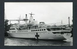 "1966 ARNOLD KLUDAS FOTO -- HOSPITAL SHIP / NAVIRE HOPITAL ""HELGOLAND"" -- VIETNAM WAR - Paquebots"
