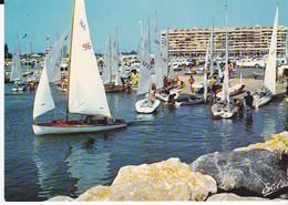 CPSM SAINT CYPRIEN LE PORT DEPART DE REGATE - Saint Cyprien